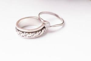 サイドリングと結婚指輪