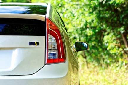 ハイブリット車の購入で排出ガスの削減