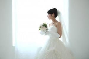 ウエディングドレスの花嫁姿