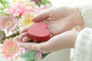 女性がプロポーズを承諾