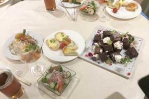 ビストロやまビュッフェ形式の料理