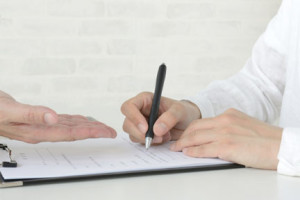 結婚相談所の契約書類