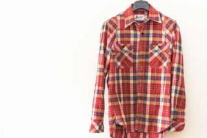 柄物のカジュアルなネルシャツ