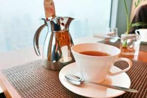 お見合い場所のホテルラウンジカフェでお茶