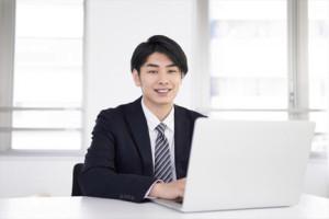 オンライン定例研修会に参加する仲人カウンセラー