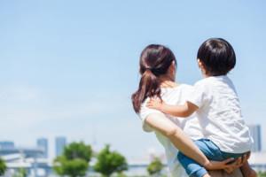 子供を抱える<span>40</span>代バツイチ子持ち女性