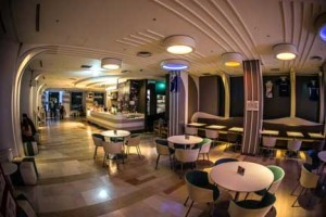 お見合い場所のホテルラウンジカフェ