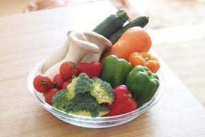 新鮮な採れたての野菜