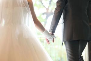 49歳男性が34歳女性と結婚できた訳は?